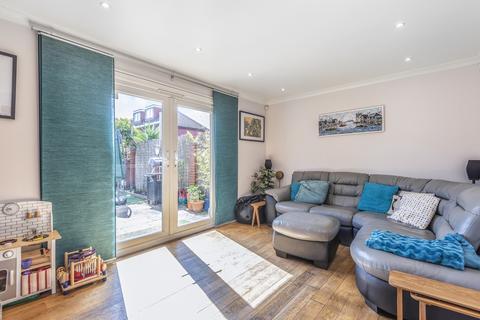 3 bedroom terraced house for sale - Monnow Road London SE1