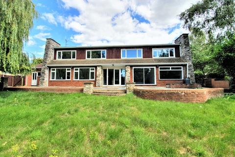 5 bedroom detached house to rent - Luton, LU2