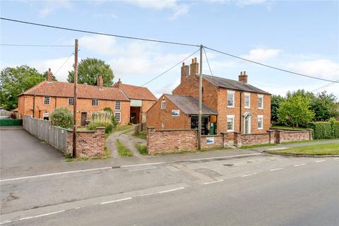 3 bedroom detached house for sale - Main Road, Long Bennington, Newark, Nottinghamshire, NG23