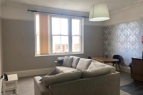 3 bedroom flat to rent - Huskinson Street, Liverpool, L8 7LS
