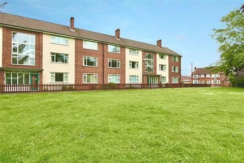 2 bedroom apartment for sale - Dale Royal Court, South Street, Cottingham, East Yorkshire, HU16