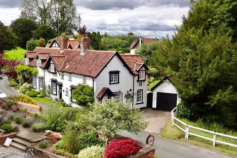 3 bedroom house for sale - Church Side, Bishop Burton, Beverley, East Yorkshire, HU17