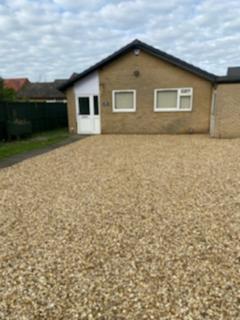 3 bedroom detached bungalow to rent - Hill Rise, Kempston
