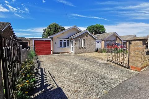 3 bedroom detached bungalow for sale - Kitelands Road, Biggleswade