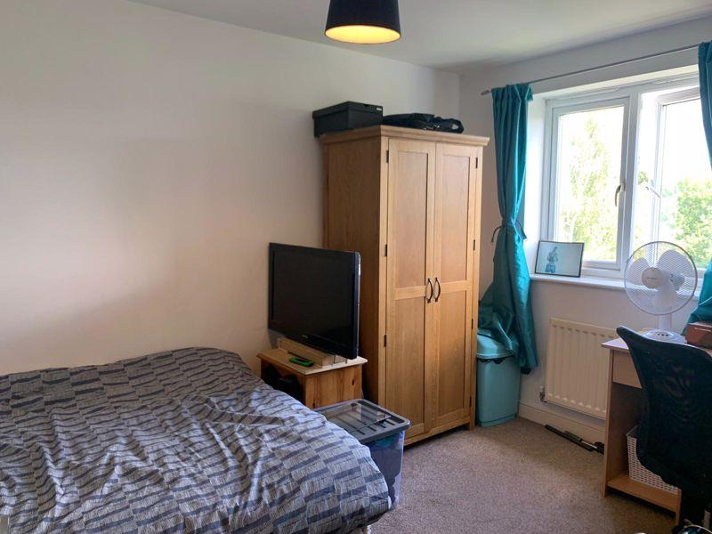 Bedroom 5 / play...