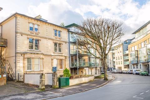 1 bedroom apartment - Merchants Road, Clifton