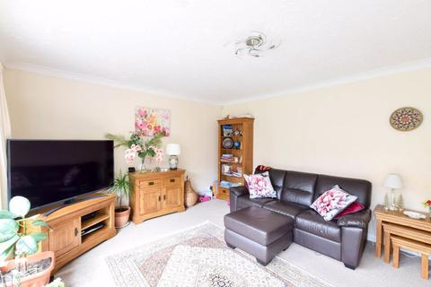 3 bedroom end of terrace house to rent - Horsmonden Close, Orpington