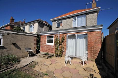 4 bedroom house to rent - Coombe Gardens , Ensbury Park, Bournemouth (4bed)