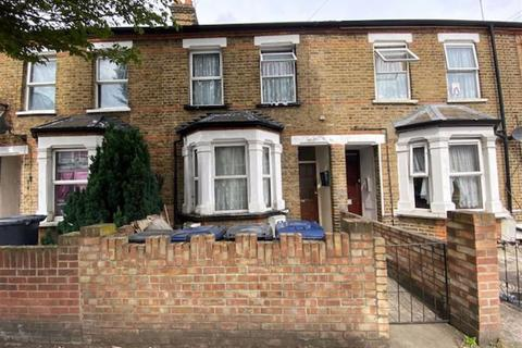 3 bedroom apartment for sale - Regina Road, Southall, Middlesex
