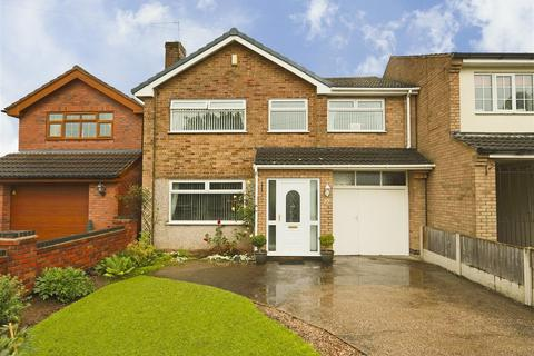 4 bedroom detached house for sale - Hayden Lane, Hucknall, Nottinghamshire, NG15 8BS