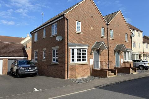 3 bedroom semi-detached house for sale - Dairy Way, Gaywood