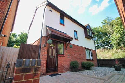 3 bedroom detached house - Mearns Place, Chelmsford