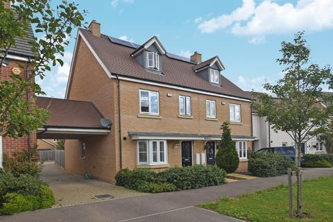 4 bedroom semi-detached house for sale - Emberson Croft, Chelmsford, CM1 4FD