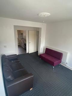 2 bedroom flat to rent - Russell House, Saracen Street, London