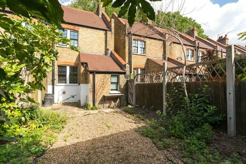 2 bedroom cottage for sale - Ufford Street, London