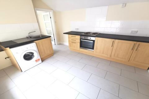 1 bedroom property to rent - Brynymor Road, Brymill