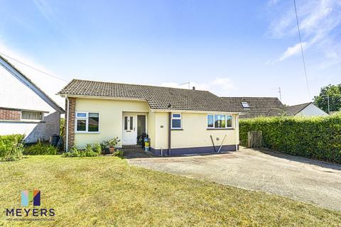 3 bedroom detached bungalow for sale - West Mill Crescent, Wareham, BH20.