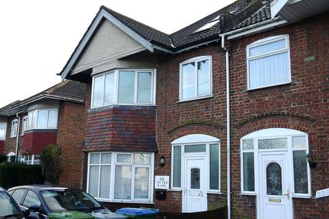 2 bedroom apartment to rent - Bitterne Road West, Southampton, SO18