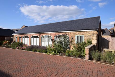 3 bedroom barn conversion for sale - Stableyard Close, Barleythorpe, Rutland