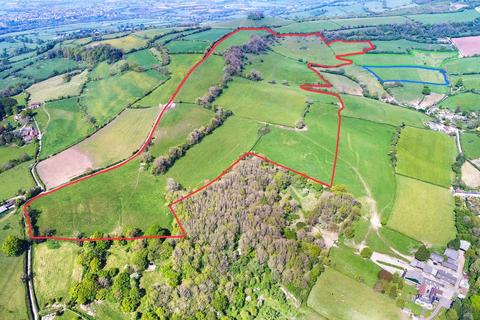 Land for sale - 82 acres Extraordinary land Weston, Bath