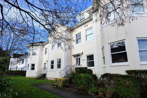 2 bedroom penthouse - Grosvenor Road, Paignton