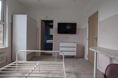 1 bedroom property to rent - Flat 3, 141 Lenton Boulevard, Nottingham, NG7 2BT