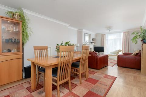 3 bedroom terraced house for sale - Lower Queens Road, Ashford, TN24