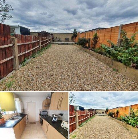 3 bedroom flat to rent - Kimberley Road, Tottenham