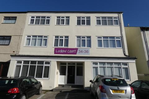 2 bedroom property to rent - Park Road Flat 6