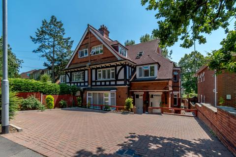 3 bedroom apartment for sale - Green Lane, Northwood