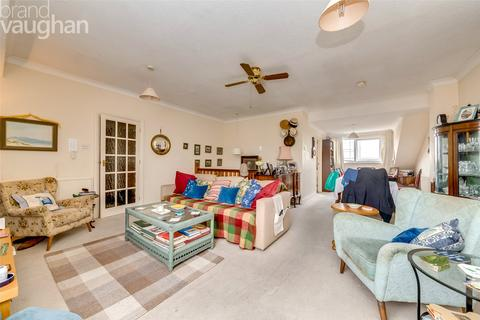 2 bedroom apartment for sale - Henley Court, Brighton, East Sussex, BN2