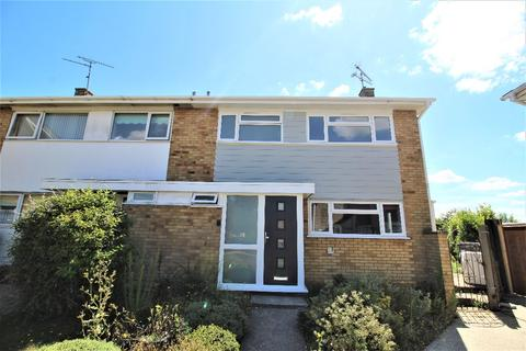 3 bedroom semi-detached house to rent - Tees Road, Chelmsford