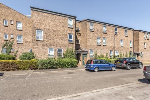2 bedroom apartment to rent - Woking, Surrey, GU21