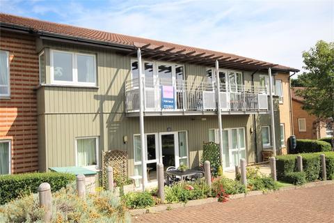 2 bedroom flat for sale - Patrons Way West, Denham Garden Village, Uxbridge, Buckinghamshire
