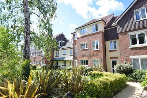2 bedroom apartment for sale - Russell Lodge, Branksomewood Road, Fleet