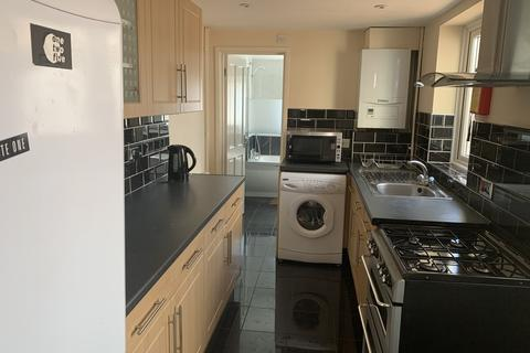 3 bedroom terraced house to rent - Middle Street, Southampton