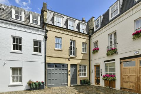 3 bedroom garage for sale - Grosvenor Crescent Mews, Knightsbridge, London, SW1X
