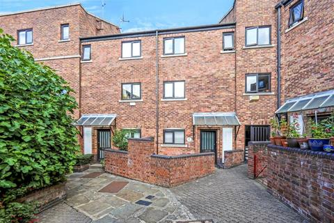 2 bedroom semi-detached house to rent - Wapping Wall, London E1W