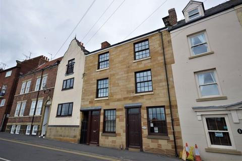 3 bedroom townhouse for sale - Church Street, Whitby