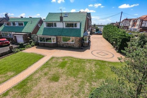 4 bedroom detached bungalow for sale - Clifton Drive, Fairhaven, FY8