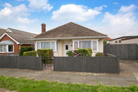3 bedroom detached bungalow for sale - Linden Avenue, Herne Bay
