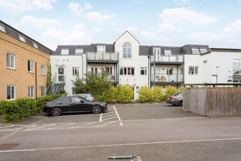 3 bedroom apartment for sale - Cowley