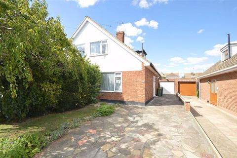 3 bedroom semi-detached house for sale - Heycroft Road, Hockley, Essex
