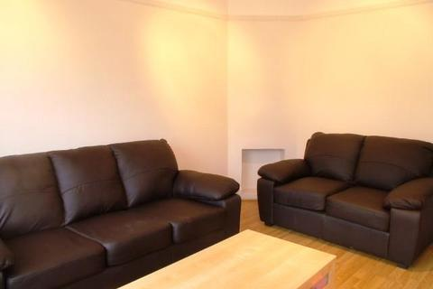 2 bedroom flat to rent - Brassie Avenue, Acton, W3 7DS