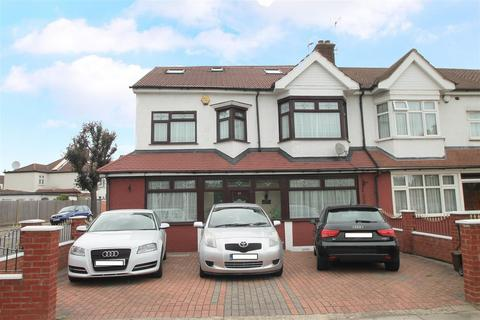 5 bedroom house for sale - North Circular Road, London