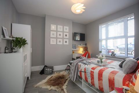 1 bedroom house share to rent - Tavistock Street Room P11376