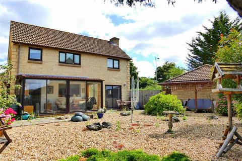 4 bedroom detached house for sale - Lilac Way, Calne