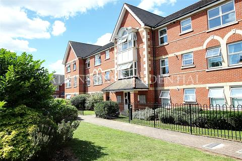 2 bedroom apartment for sale - Cobham Close, Enfield, Middlesex, EN1