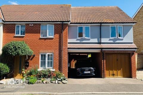 4 bedroom semi-detached house for sale - Cowdrie Way, Chelmsford