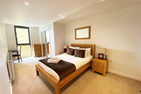 2 bedroom apartment for sale - Colne Lodge, 12-16 Clarence Street, Staines-upon-Thames, Surrey, TW18